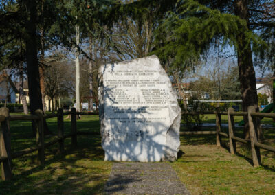 Bagnacavallo, La memoria nel paesaggio, Memoria, Parco della Pace, Stele agli ebrei rifugiati e deportati