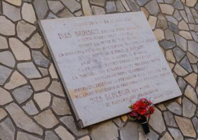 Conselice, La memoria nel paesaggio, Lapide in memoria della staffetta partigiana Ines Bedeschi